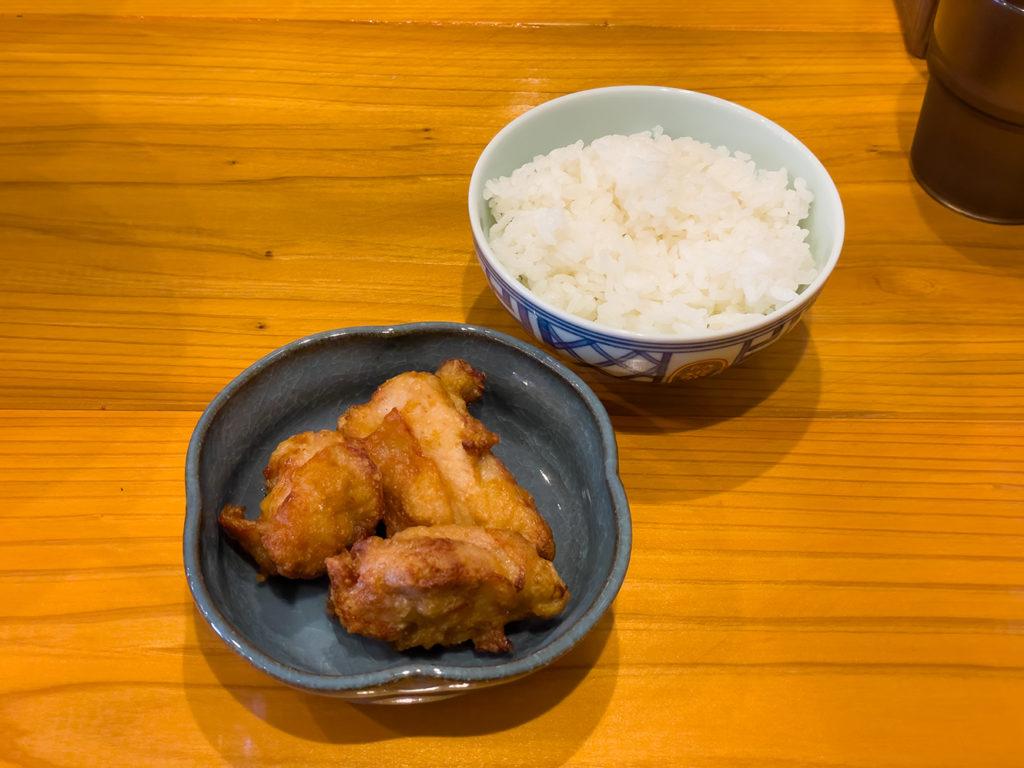 セットメニュー:ご飯+唐揚げ